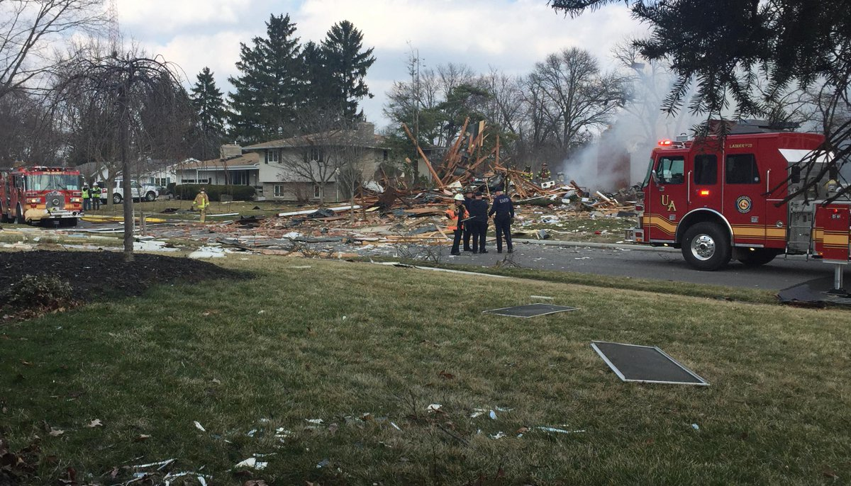 NBC 4 team coverage of an Upper Arlington house explosion begins in 5 minutes. #nbc4i http://t.co/ozzmB9UUiJ