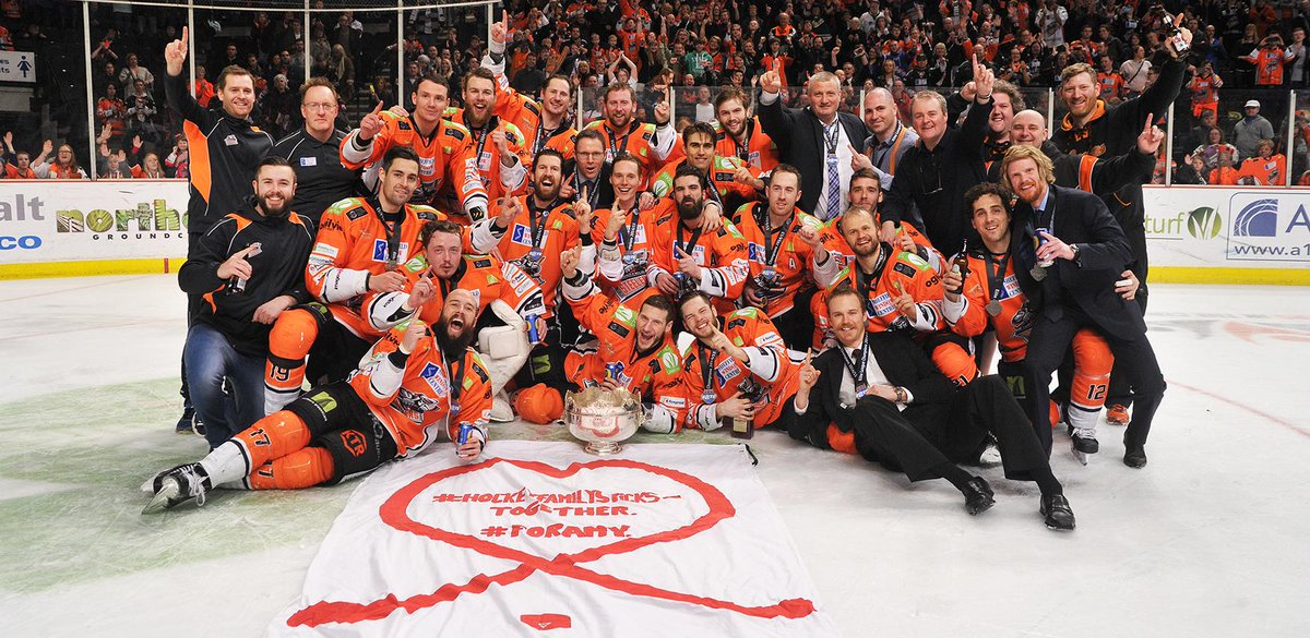 The @officialEIHL 2014-15 Champions: The Sheffield Steelers http://t.co/BWBAbdf5It