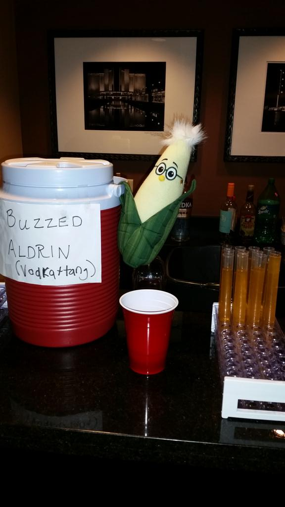 Rumor has it @franknfoode friend  @kevinfolta created the Buzzed Aldrin. True? #Skepchickcon #chificon http://t.co/pnmrkfZ7tU