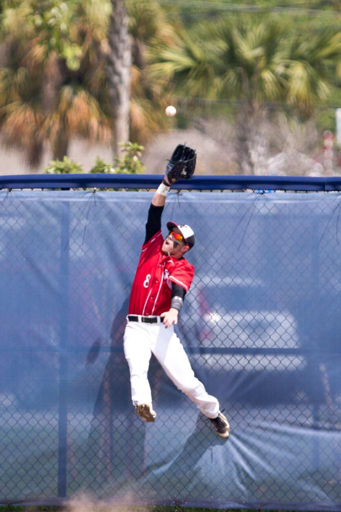 Even though they beat us, I still can't get over this catch/photo of @c_scoggins. Kid played amazing all series. http://t.co/gN6ZzTZbih