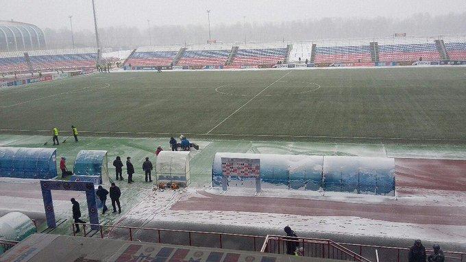 """К матчу """"Мордовия"""" - """"Локомотив"""" подготовлены красные мячи на случай снега"""