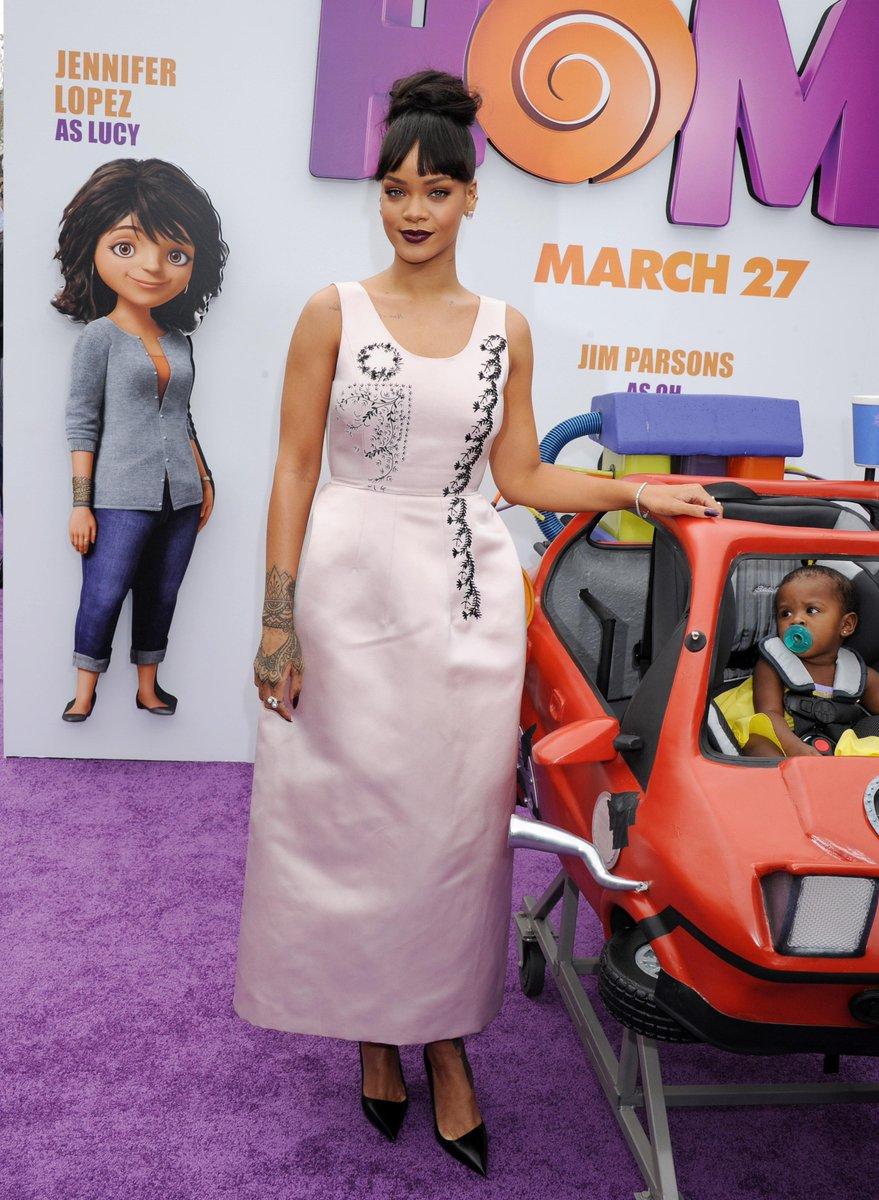 Fotos de Rihanna (apariciones, conciertos, portadas...) [15] - Página 49 CAuNKvBXEAAzm0h