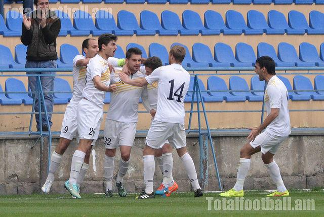 Timov (#22) after his goal