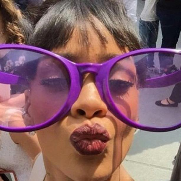 Fotos de Rihanna (apariciones, conciertos, portadas...) [15] - Página 49 CAvO_M6WQAAEbYt