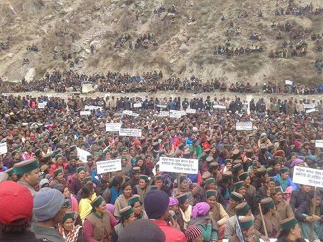 Far from media glare. A massive protest against a #Jaypee project in Kinnaur in upper Himachal Pradesh. Who cares? http://t.co/BKkIjKu163
