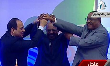 #BREAKING #Egypt, #Ethiopia #Sudan sign declaration of principles to resolve Nile dam dispute http://t.co/cKdTPkRxmv http://t.co/wSUmzkRF8l