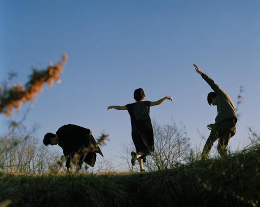クラムボンの新しいアルバム  triology まもなくです!  ジャケットすばらし  ドキドキ ドキ✨   写真を撮ってくれた  齋藤陽道くんの番組  きょうみれるそうです  ゼヒ http://t.co/n9ZsnaNNLk http://t.co/wRVjQnfgcQ