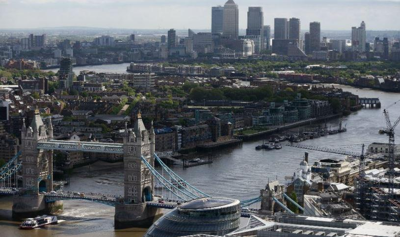 Suspected unexploded WWII bomb found near Tower Bridge http://t.co/RUmM2TGl7d http://t.co/0Y875ZZu2K