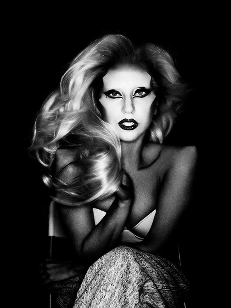 "Álbum >> ""Born This Way"" [19] - Página 19 CAyklEXWwAAm2ND"