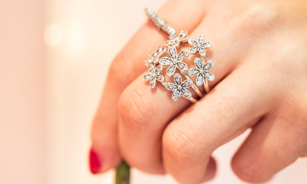f7c9239d0 202c0 ffb19; australia spoooookyboooky on twitter pandorauk dazzle daze and  amaze this spring with our gorgeous daisy ring