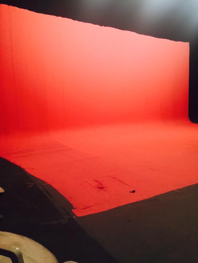 뮤직비디오 촬영중 ^^ㅎㅎ 핑크핑크 컨셉!! 내일은 영상을.......? 크크크 http://t.co/OPUowrhOIg
