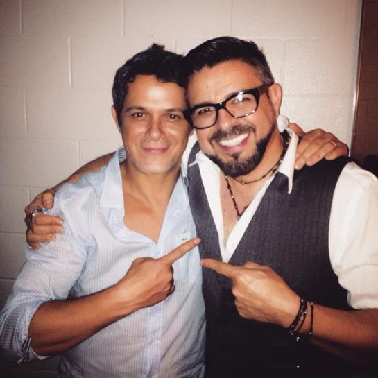 """Un placer haber trabajado en la versión salsa de """"Un Zombie a la Intemperie"""", el sencillo de mi amigo @AlejandroSanz http://t.co/PMVfZGmUoH"""