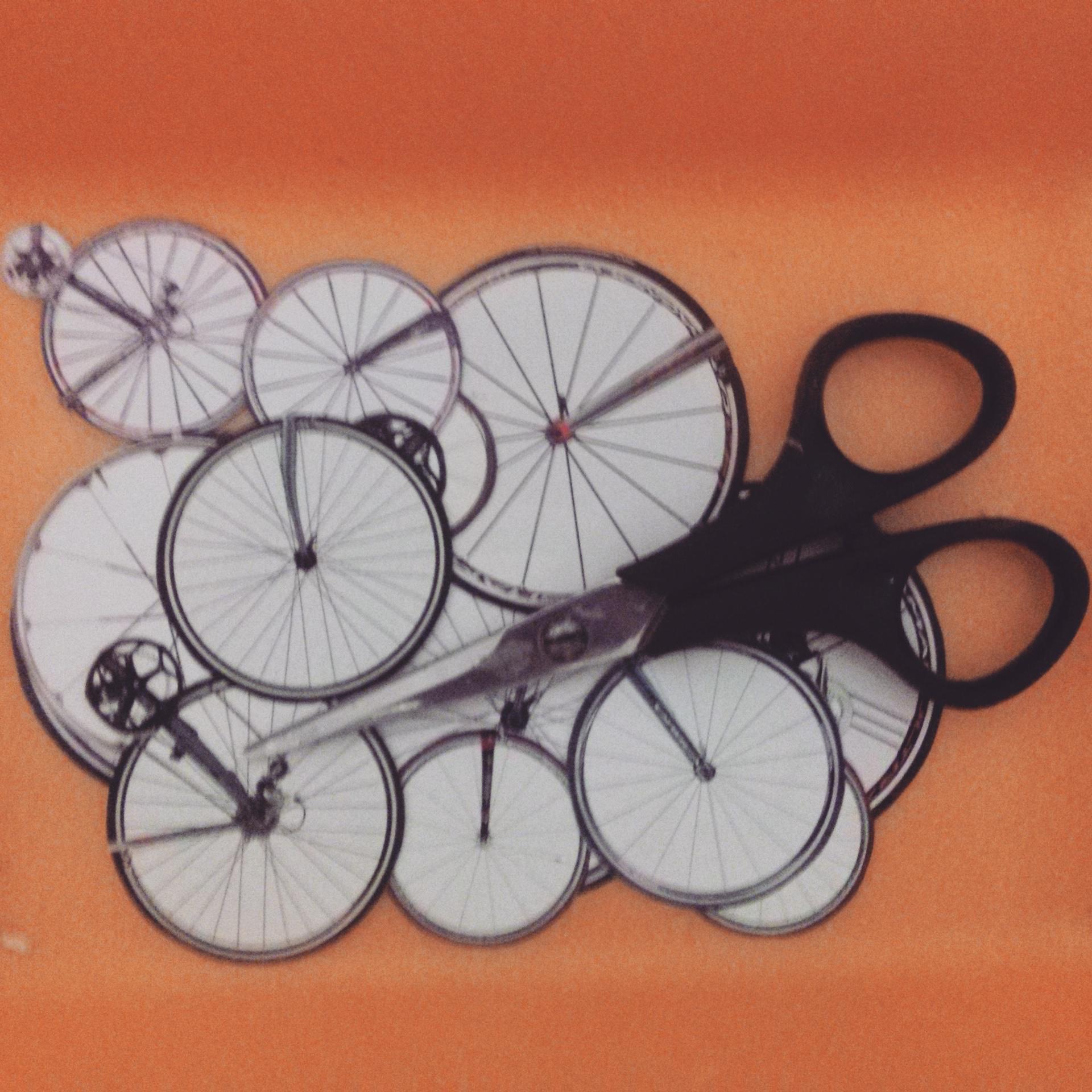 Nova série em produção: Bike - quatro quadros de 30 x 30 cm #collage #colagem #bike #silvioalvarez #art #bicicleta http://t.co/e9IBkkJbcd