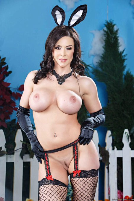 """""""@KendraLust: Hope all had a #HappyEaster #LustArmy #bunny #EasterBoobies http://t.co/T9U3lQsEiB"""" I'm"""