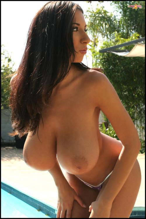 большая грудь стройных женщин тесно планете