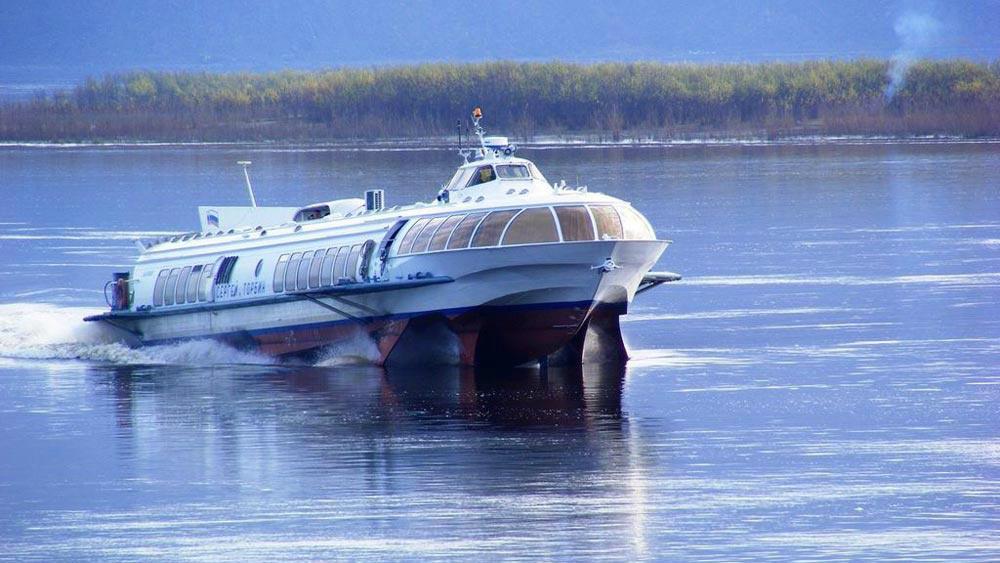 фото метеора лодка