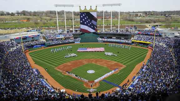 Blessed to be one of 750 players in the world to experience MLB opening day 2015. The grind starts today. #WhiteSox http://t.co/iIiYGXDwHw