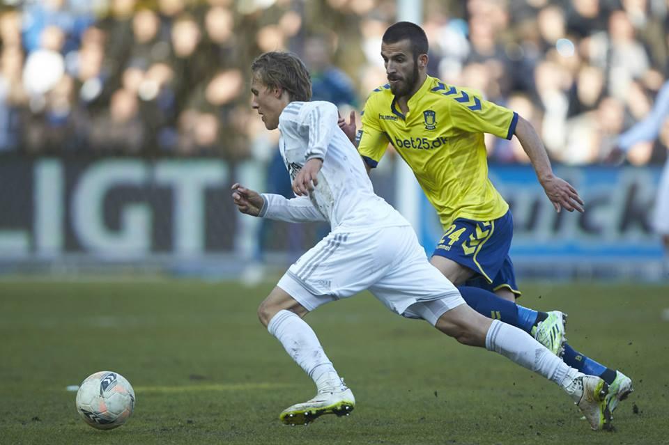 Hasani runs after the ball
