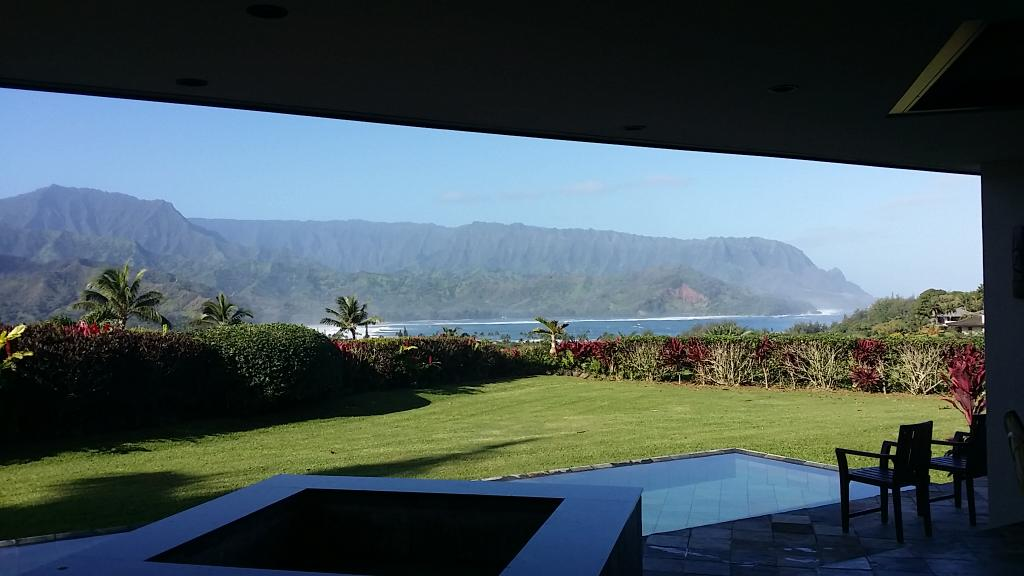 Julia Roberts lists Hawaii beachfront estate on the market for $30M http://t.co/Rlvn0soxw9 MLS254296 http://t.co/numeYLecBu