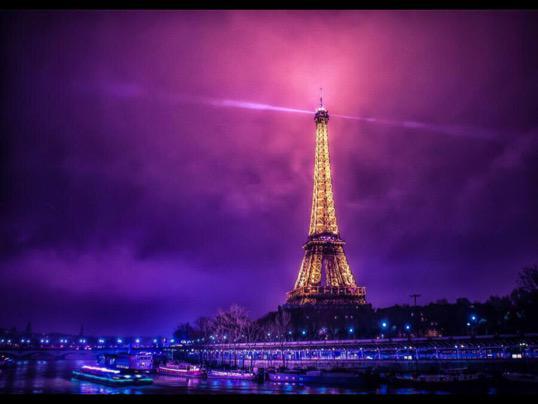 ------* SIEMPRE NOS QUEDARA PARIS *------ - Página 2 CB7prKwWgAAduwT