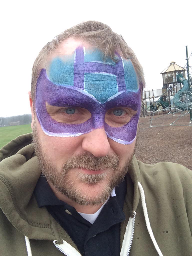 Chris Templeton On Twitter Getting Some Weird Looks In Sonic Drive I Guess They Ve Never Seen A Guy With Hawkeye Face Paint Hawkguy Http T Co P2xe5sat4w