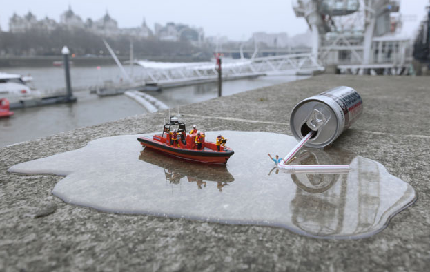 Miniature model artist @slinkachu recreates #RNLI rescue - see more pictures in our gallery... http://t.co/QVVisg8cB4 http://t.co/aiURkw1yf2