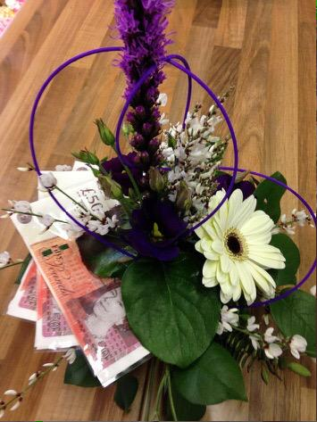 Many thx @welwynflorist for brightening up #WHDACAwards with these fab. flowers - love the cash! @WelHatDragonsAp http://t.co/sjbclbFD3O