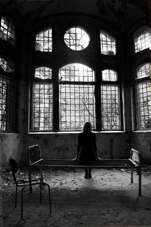 il cuore stabilisce dei contatti troppo suadenti, troppo imprigionati  @cristinabove #UniversoVersi http://t.co/hdw1PQCQNf