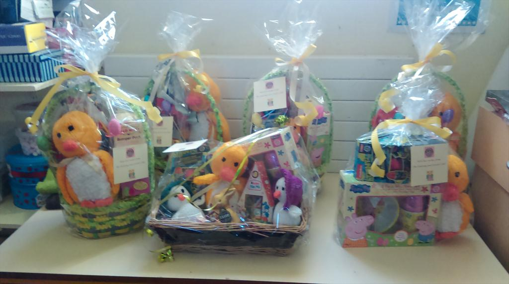 Presentation primary on twitter the knitting and crochet club presentation primary on twitter the knitting and crochet club put our easter knitting in hampers for the bingo night tonight easter negle Image collections