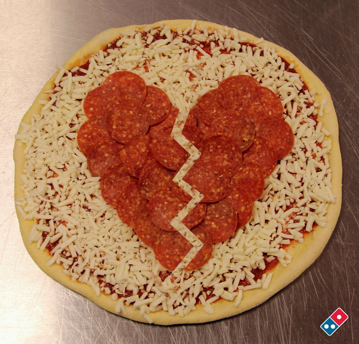 That moment when even pizza won't cure your #ZaynPain. http://t.co/k4B1ILmEZ1