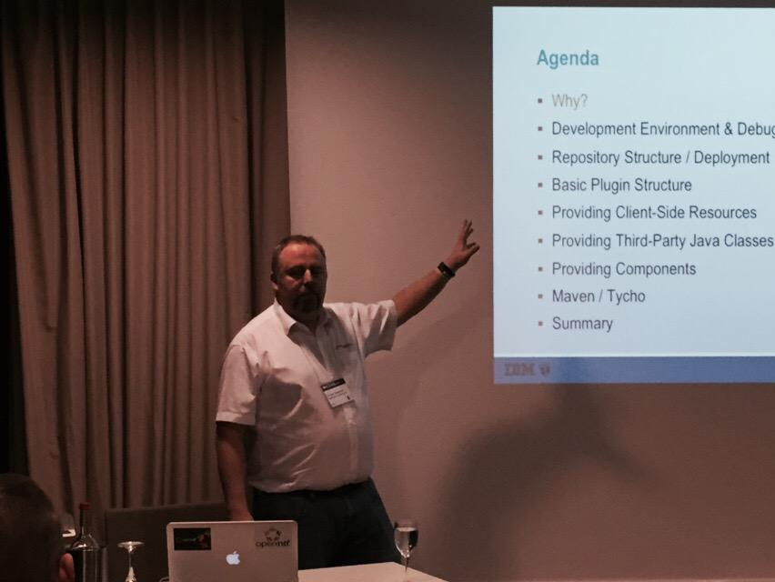 #IBMChampion @guedeWebGate mid-session #icsug on Xpages extension libraries http://t.co/DkOPQ3dY0O
