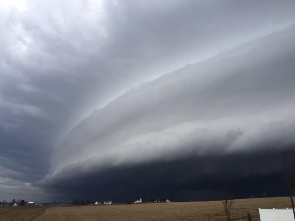 Thumbnail for Awesome Shelf Cloud Photos