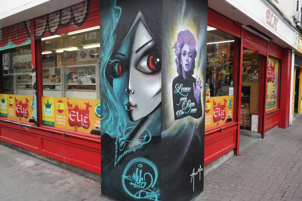 Beautiful new art on Dublin City streets from Mels & AW2F ❤ http://t.co/6K42QCStZf