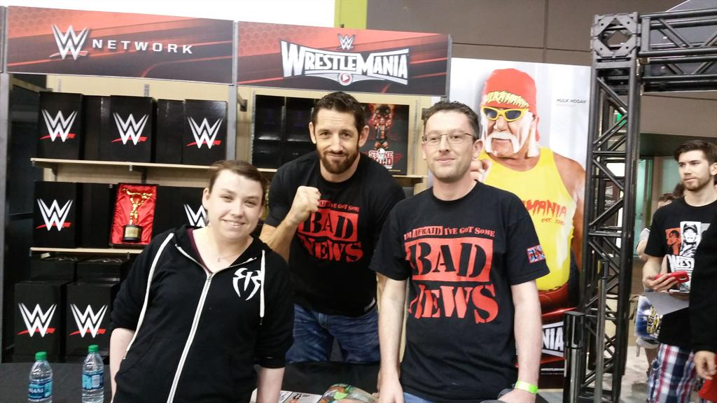 Thank you @WadeBarrett for taking mine and @arnoldrimmerh  photo http://t.co/WoS36TbS9M