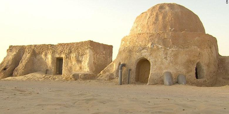 Star Wars Tatooine Film Locations Under Threat From ISIS http://t.co/6QfVmCdSZ6 http://t.co/JUBcmtP2N2