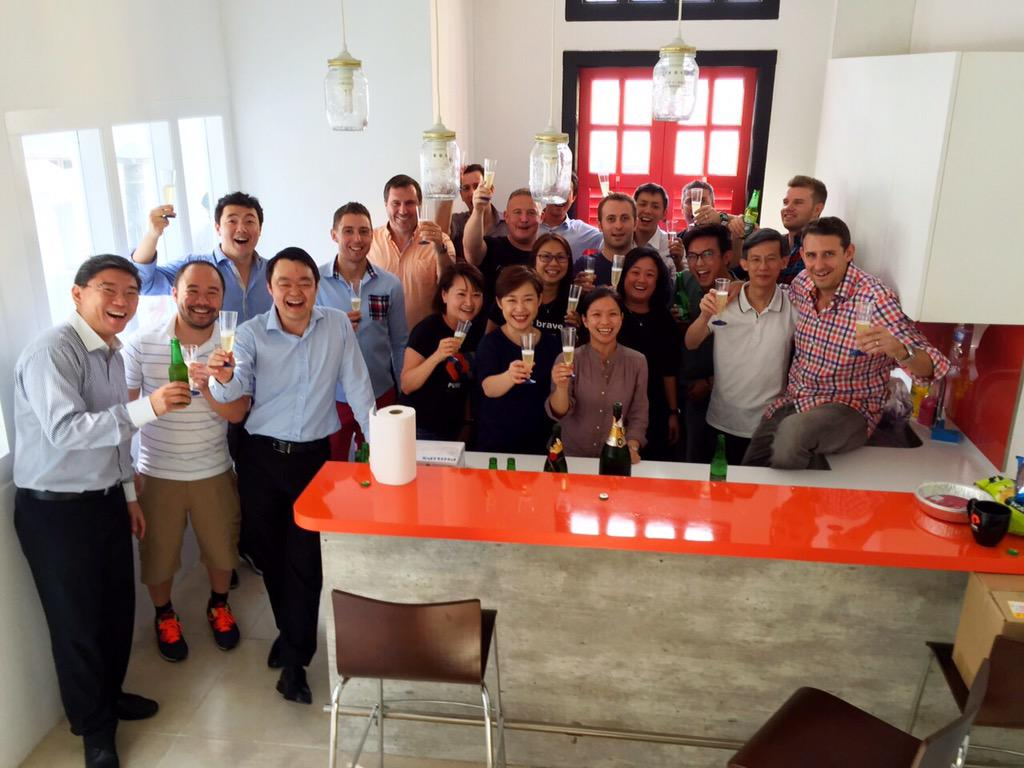 Ciaran Mcgoldrick On Twitter Purestorage New Office Party In Swinging Singapore Bitesthedust Charliesarmy Http T Co Tnsyrwtwmp