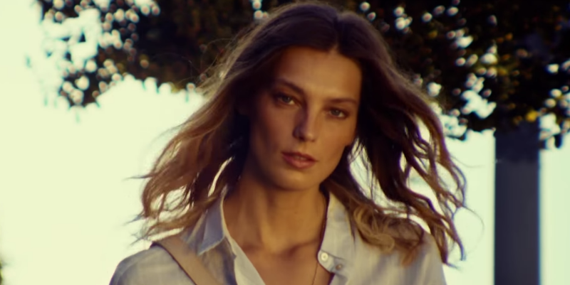 Daria Werbowy dazzles for H&M's spring campaign: It's the newest ads on TV http://t.co/bMSa1yYjtZ http://t.co/BFHHbh4U5F