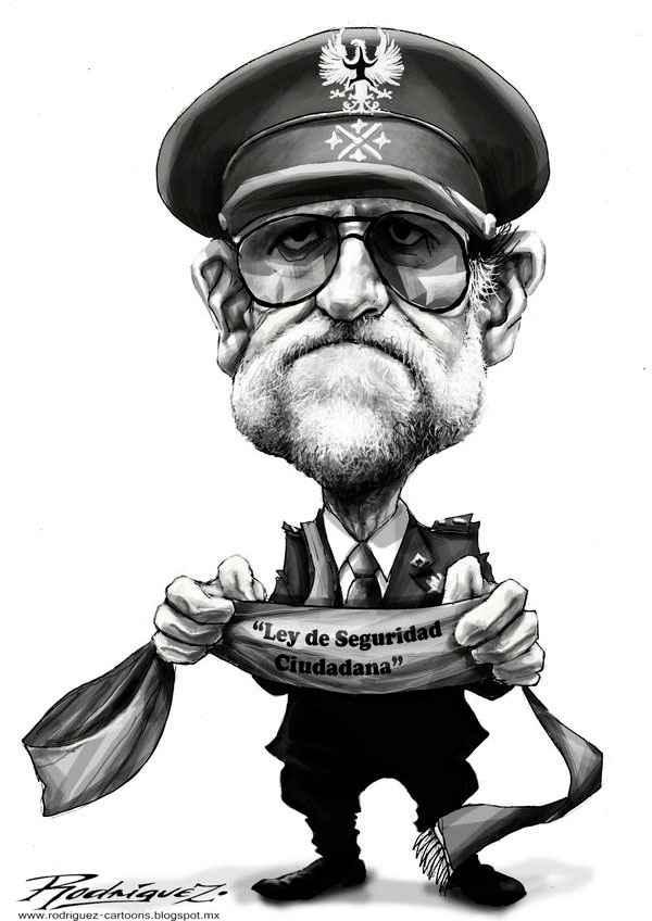 """Hoy nuestro """"amado presidente"""" cumple por algo... años..  #BoicotAMediaset http://t.co/VM2it0c2GG"""