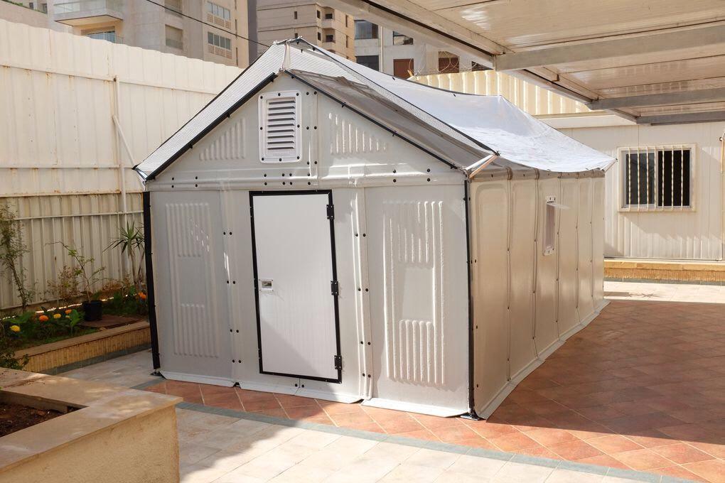 IKEAがたった4時間で組み立て可能なソーラーパネル内蔵の仮設住宅を発表 - GIGAZINE gigazine.net/news/20150327-…いいねこれ。 pic.twitter.com/S4T8NKR38U