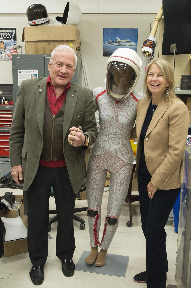 Senate Sci. Comm. has unanimously ok'd Prof Dava Newman as NASA deputy admin. Now, to full Senate for confirmation. http://t.co/XPUYi213xi