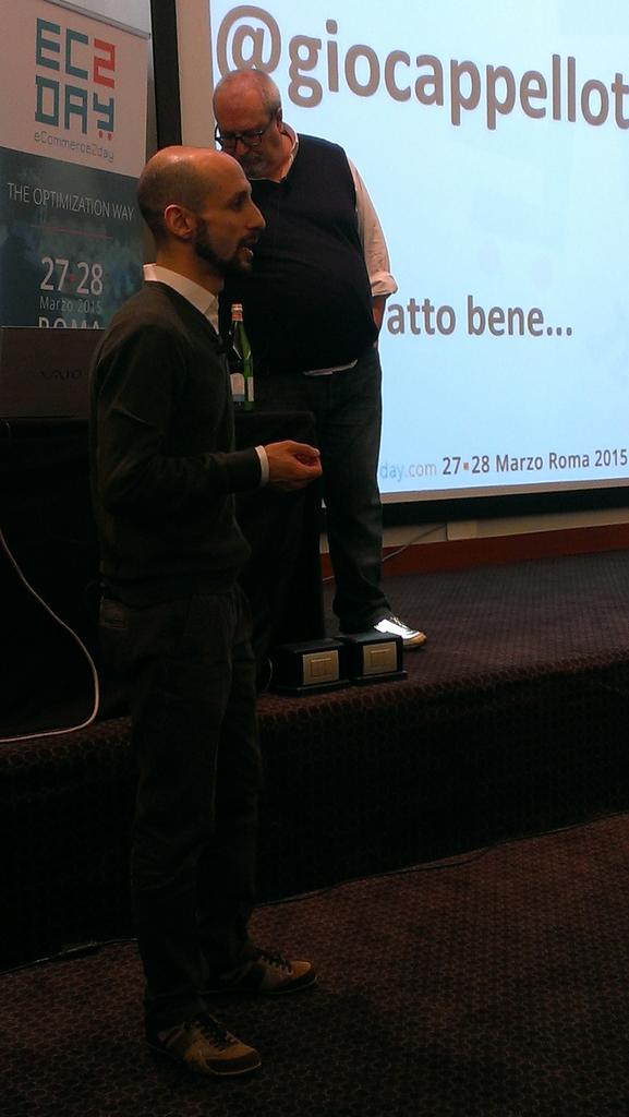Nuove domande a @marlenek @giocappellotto su brand reputioning e #eCommerce #ecommerce2day http://t.co/PAxtsBBmCo