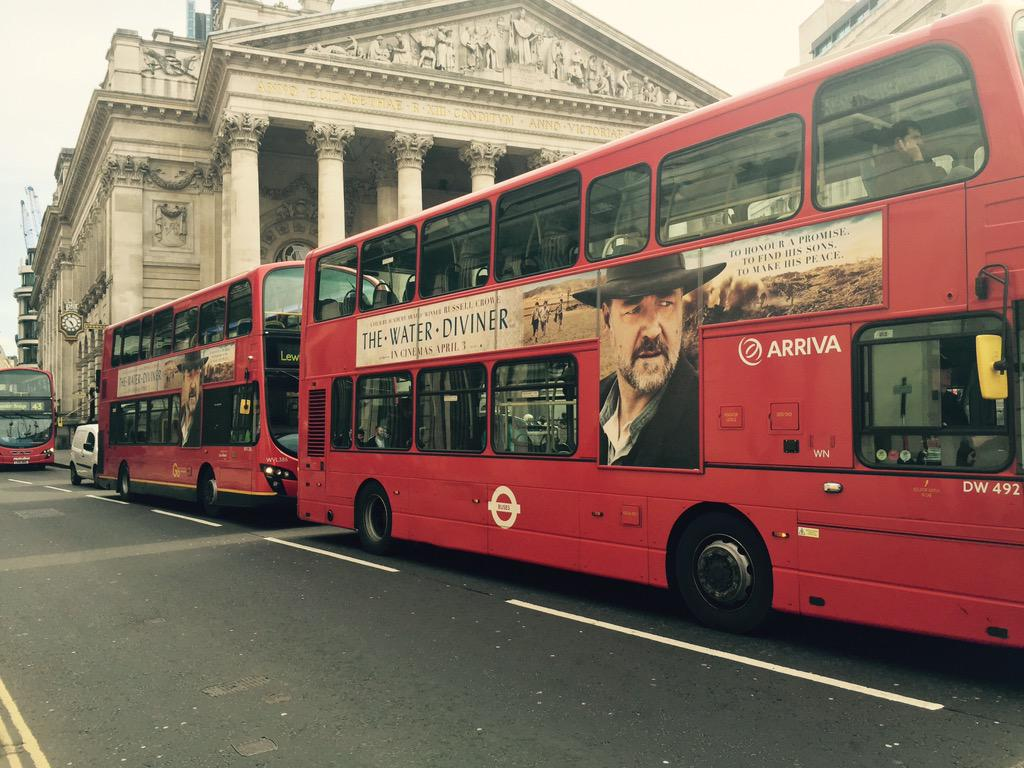 RT @leeingleby: Hey Cpt, @russellcrowe , 2 in a row, outside The Bank Of England http://t.co/NMIFiMoL2g
