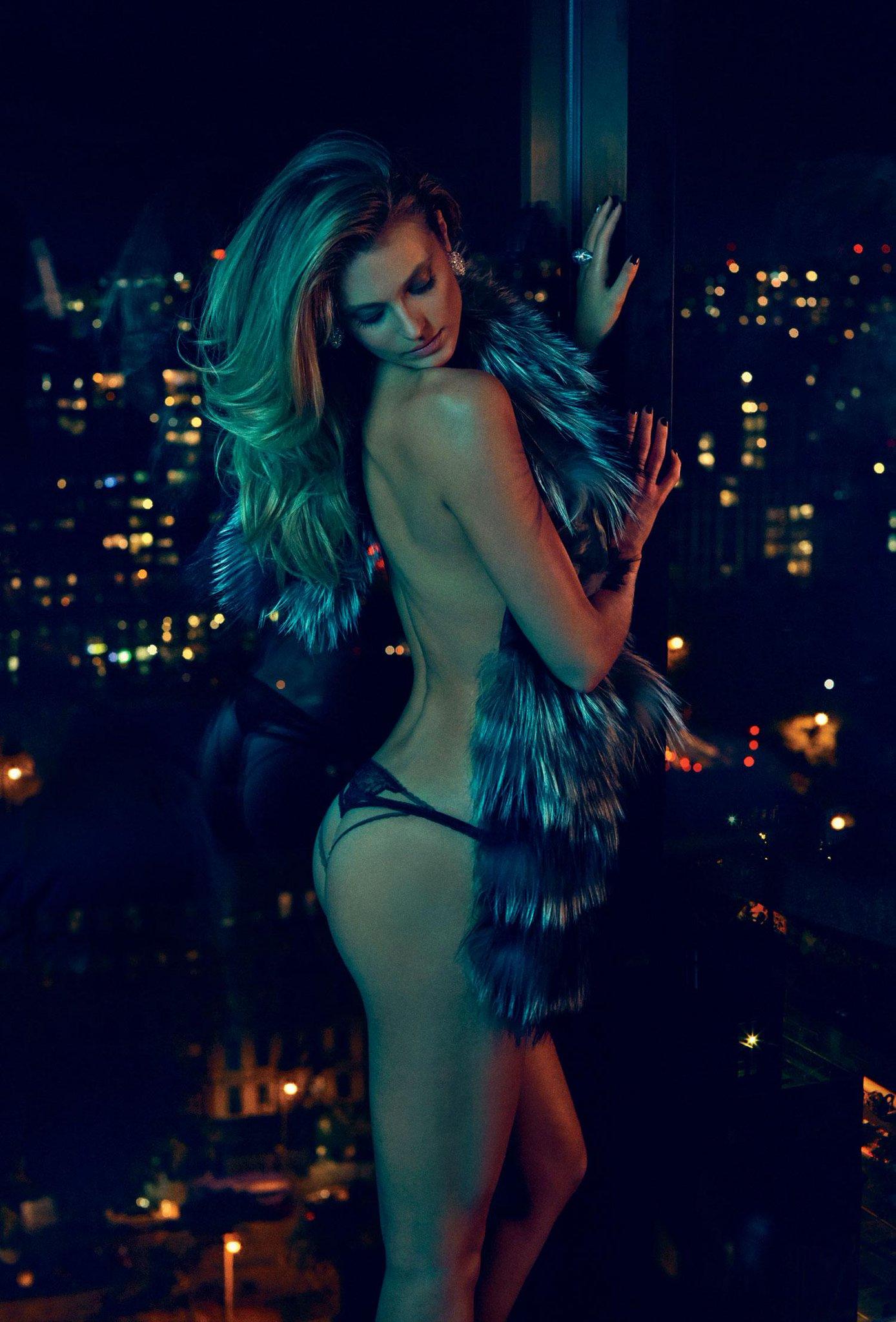 RT @VadimLoparev: My favorite model gorgeous  @katelynnebock  #beautifulwomen Stretching on @MaximMag http://t.co/Cewr2Mii2l #KateBock http…