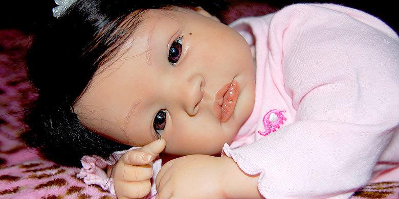 People Who Are Obsessed With 'Reborn Babies' http://t.co/bomBiR2mOK http://t.co/bZujE5kGnq