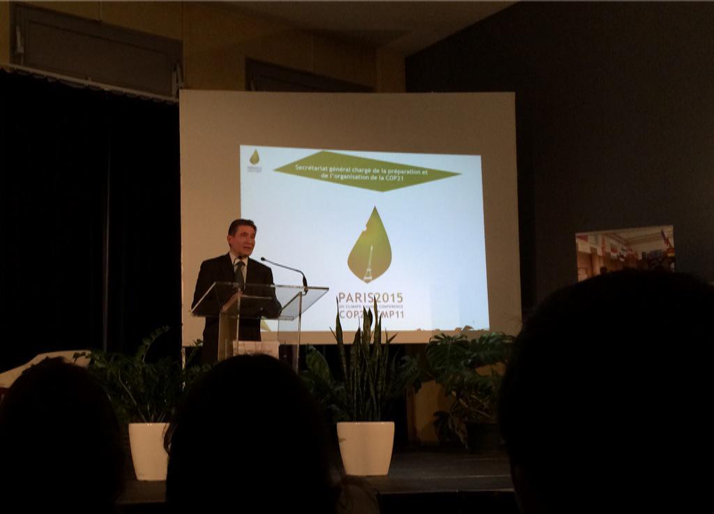Clôture de la semaine du climat à Poitiers @MUCOP21_ScPo avec @GuignardPH Secrétaire général de la COP21 #Paris2015 http://t.co/7dL9GPHqAV