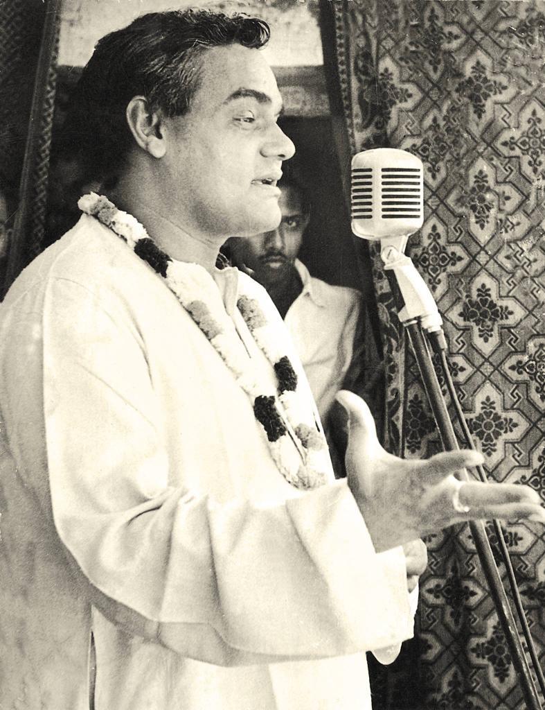Image result for vajpayee awarded shakti puraskar award to chinnapillai