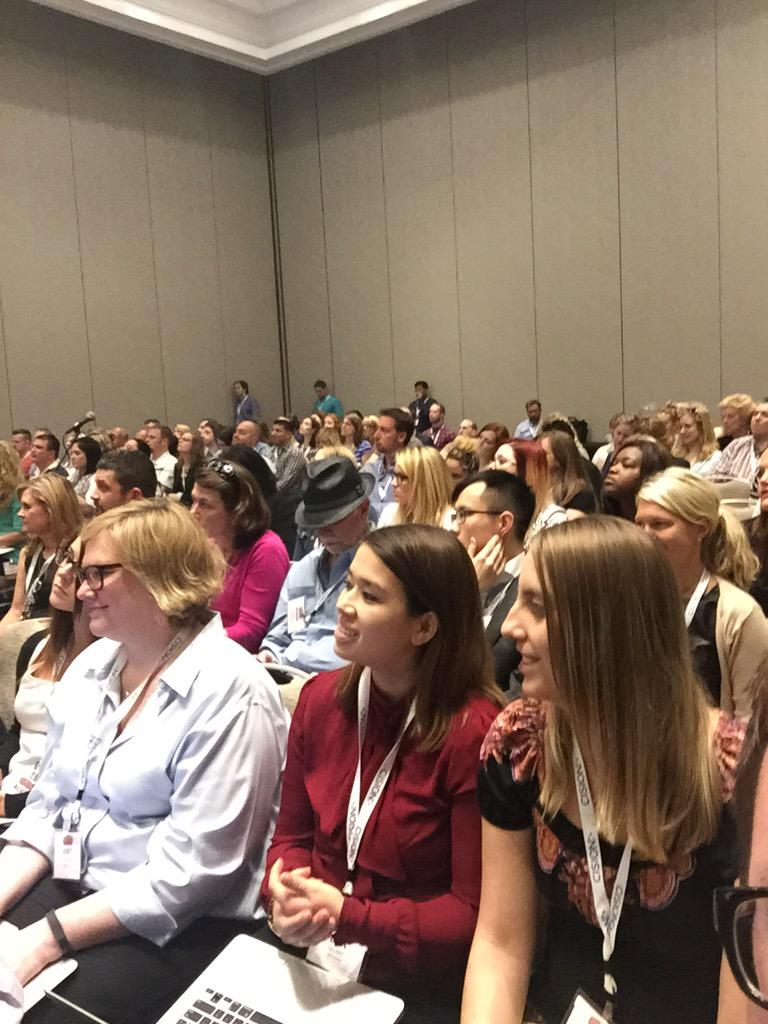 This Pam girl knows how to pack a room! @PamMktgNut rocking #SMMW15 advanced #Twitter http://t.co/xwMjEH4YI5