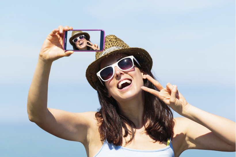 Consumers urged to ditch the #selfie at #AWEurope http://t.co/mwee8xQVew @nickykc @MarketingUK http://t.co/yzMZifPXQG