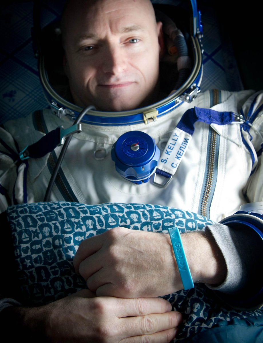Astronaut Scott Kelly's Twin Brother Mike Pulls a Fast One on NASA