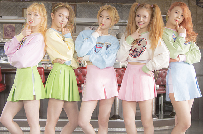 Red Velvet's 'Ice Cream' EP debuted on the World and Heatseeker Albums charts #Kpop http://t.co/unrZBk29LK